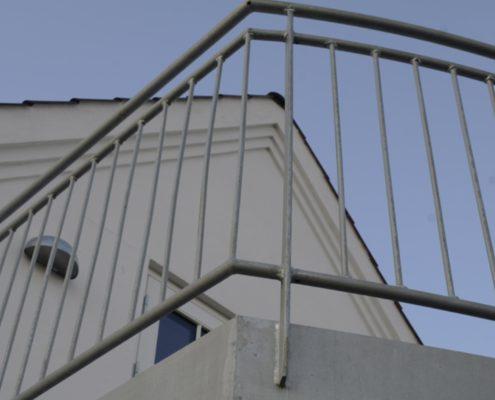 Afdækning rundt om altan, udført af faglært blikkenslager